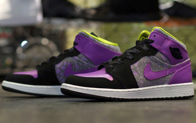 competitive price 61ccb 7a4f0 ... Air Jordan 1 Phat GS Purple Lime Green ...